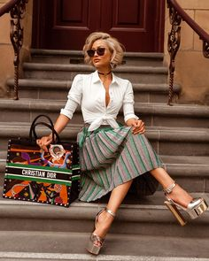Fashion Tips You Definitely Have To Read. Do you know absolutely nothing about style? No matter what your answer, you can always learn more about fashion. Classy Outfits, Chic Outfits, Fashion Outfits, Womens Fashion, Fashion Trends, Ladies Fashion, Micah Gianneli, Elegant Outfit, Mode Style