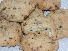 Ingrédients pour 16 petits cookies: 190g tofu nature en bloc 110g de tofu soyeux 5ml d' édulcorant liquide 1 oeuf 15g de maizena 1 pointe de couteau de vanille en poudre Arôme au choix ( noisette ici) copeaux de chocolat http://lacuisinedefanie.over-blog.com/2016/03/copeaux-de-chocolat-dukan.html...