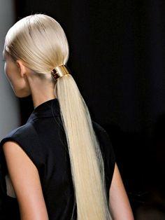 Runway hair for Jason Wu Spring/Summer 2014 RTW at New York Fashion Week. Party Hairstyles, Cool Hairstyles, Long Ponytail Hairstyles, 2014 Hairstyles, Summer Hairstyles, Classy Hair, Artist Makeup, Runway Hair, Catwalk Hair