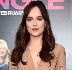 Inspired by Dakota Johnson to Kate Bosworth and more, these are our daily beauty secrets: Dakota Johnson, Creative Makeup Photography, Wedding Hair And Makeup, Hair Makeup, Brunette Actresses, Beautiful Brown Eyes, Brown Eyed Girls, Fresh Hair, Lip Colour