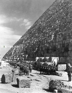 British troops march past the Great Pyramids in Egypt, 1940