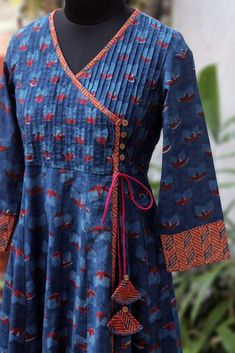pintucked anghrakha – the tulip & the cosmic twilight pintucked anghrakha – die tulpe & das kosmische dämmerlicht Neck Designs For Suits, Designs For Dresses, Blouse Neck Designs, Kurta Patterns, Dress Patterns, Kurta Neck Design, Kurta Designs Women, Salwar Designs, Kurti Designs Party Wear