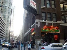I would love to Eat Pizza in Chicago