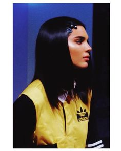 We have compiled the best and worst hairstyles of kendall jenner for you. Kendall Jenner's Best and Worst Hairstyles! Let's see the best hairstyles of Ke Kim Kardashian, Kardashian Kollection, Kendall And Kylie, Kendall Jenner Outfits, Kendall Jenner Haircut, Kendall Jenner Adidas, Kendall Jenner Selfie, Kendall Jenner Instagram, Kendalll Jenner