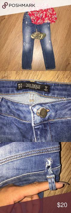Zara TRF Crop Jeans Mid Indigo Wash, With Holes, One Ripped Belt Loop, Great Fit Zara Jeans Ankle & Cropped