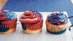 Blogger Jessica Walker from Lil Miss Bossy shares a recipe for cupcakes that are sure to add a bang to your Fourth of July celebration.