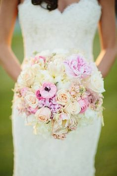 Julie and Max Palm Springs Wedding, Blush and White Bouquet