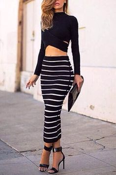 Sexy Crew Neck Hollow Midriff-baring Stripe Suits
