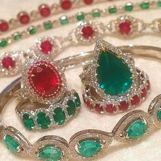 Red and green from @dejaandco