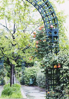 """[La Coulée Verte] Le """"High line"""" de Paris  Photo via Paris Deluxe Rentals"""