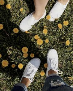 Secrets Of Sneaker Shopping – Sneakers UK Store Vans Girls, Girls Shoes, Pretty Shoes, Cute Shoes, Vsco, Feeling Fine, Teen Girl Outfits, Girly Pictures, Types Of Shoes