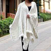 handmade alpaca wool ruana cape // traveling cape // blanket cape