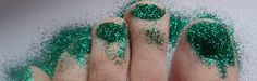 The Whimiscal Princess: DIY Glitter toes