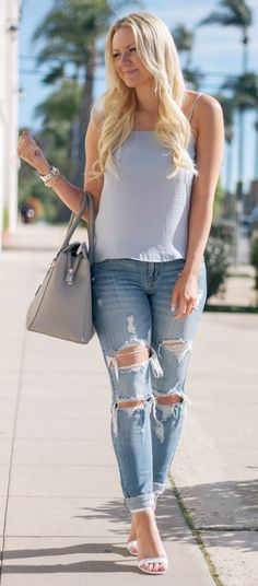 Blue cami and ripped jeans <3