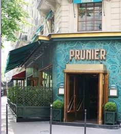 Top 10 seafood restaurants in Paris Restaurant Paris, Paris Cafe, Paris Restaurants, France Europe, Paris France, Elysee Palace, Places Around The World, Around The Worlds, Old Paris