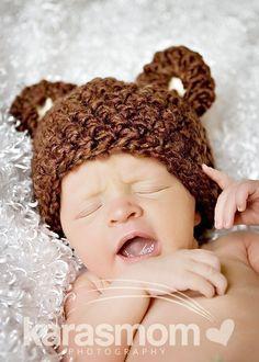 crocheted bear hat:)