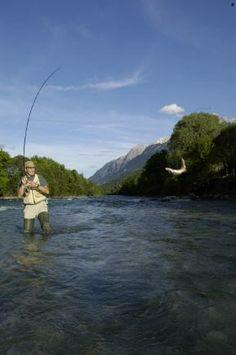 Österreich: Fliegenfischer-Urlaub in Osttirol  (rf) Für Fliegenfischer sind die Gletscherflüsse im österreichischen Osttirol ein wahres Angler-Paradies. Die Region gliedert sich in die Nationalpark-Region Hohe Tauern und das Defereggental im ...  Link: http://www.reisefernsehen.com/reise-news/reise-news-aktivurlaub/387115a3030bb5803-oesterreich-fliegenfischer-urlaub-in-osttirol.php
