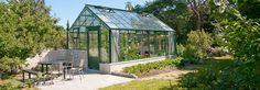 Växthus The Cottage, Garden & Greenhouse. Finns 10, 14,5, 20, 24,5 kvm, men går att få i stort sett alla längder och bredder.