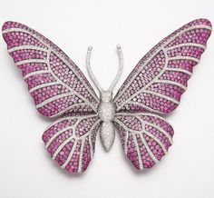 18K WHITE GOLD, PINK SAPPHIRE AND DIAMOND BUTTERFLY BROOCH Numerous pink sapphires and diamonds approx 13.30 & 2.75 cts.