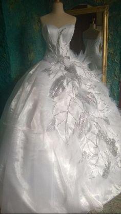 Mamy salon z sukien ślubnych w Carlow. ponad 300 sukienki SA dostępnej. Randki textill importujemy Z Francji ï Portugalii. kamienie zrobić Dekoracji sukni z Svarowski.you SĄ rowniez moze sukienkę i desing Swój wymarzony możemy zrobić specjalnie dla Ciebie. mozesz Być Gwiazda w Wielkim Dnia! Mamy WIELE sukienki dla cygańskich Ladys, dużych i olbrzymich. CENY SĄ od Nasze 500 euro. kontakt 0894234545www.ladywhite.eu