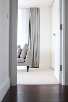 20 Stunning Modern Curtains Designs To Refresh Your Living Room 2019 Curtains Diy 20 Stunning Modern Curtains Designs To Refresh Your Living Room 2019 Curtains Diy Gwendolyn Kilback Curtains living nbsp hellip Bedroom Drapes, Curtains Living, Bedroom Ceiling, Bedroom Flooring, Contemporary Curtains, Modern Curtains, Contemporary Apartment, Floor To Ceiling Curtains, Curtains With Blinds