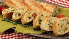 Roast Garlic Stuffing-Style Baguette - Recipes - Best Recipes Ever - This bread stands in so deliciously for stuffing that you won't miss turkey's traditional accompaniment. Canadian Living Recipes, My Favorite Food, Favorite Recipes, Baguette Recipe, Bread Winners, Vegetarian Recipes, Cooking Recipes, Yummy Recipes, Bread Salad