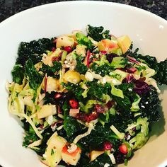 Kale + Shaved Brussels Sprouts + Apple + Pomegranate Salad with Homemade Apple Cider Vinaigrette! This is my version of my favorite salad at @eatflowerchild 😍 I think I'm getting the hang of this #mealprep thing! #cleaneating #flowerchild #recipes #homemade #vegetarian #clean #eatyourveggies #food #foodporn #yum #yummy #healthy #glutenfree #mealplanning #mealprep #foodprep