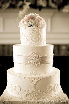 elegant vintage cake