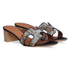 """Oasis Hermes ladies' sandal in """"Equateur Tattoo"""" printed cotton canvas, leather sole and hazelnut lining, stacked heel in natural leather Espadrilles, Hermes Shoes, Sport, Natural Leather, Printed Cotton, Cotton Canvas, Oasis, Heeled Mules, Shoe Bag"""