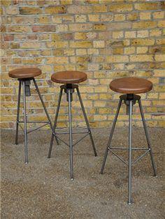 Vintage bar / breakfast stools Breakfast Stools, Vintage Bar, Bar Furniture, Bar Stools, Basement, Kitchens, Nice, Home Decor, Style