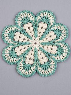 お花の - Her Crochet chick chick sewing: Crochet Flower Chair Pad Finished! お花の - Her Crochet Crochet Potholder Patterns, Crochet Flower Patterns, Crochet Diagram, Crochet Squares, Crochet Motif, Crochet Doilies, Crochet Flowers, Potholders, Irish Crochet