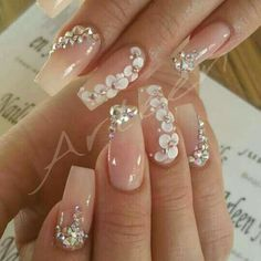 100 Gorgeous Rhinestones Nail Art Designs To Make An Alluring Beautiful Outfits - Ongles 03 3d Nail Designs, Acrylic Nail Designs, Flower Designs For Nails, Pedicure Nail Designs, Pedicure Nails, Best Acrylic Nails, Acrylic Nail Art, 3d Nail Art, Hawaiian Nails