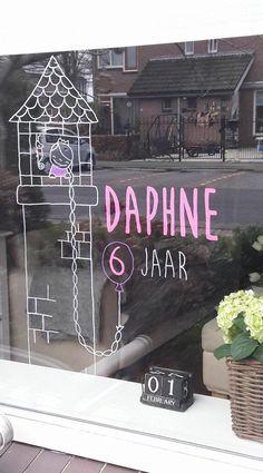 Op maat gemaakte Rapunzel verjaardag #raamtekening door Patty B.