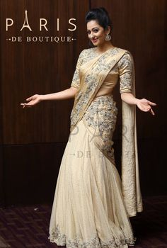Paris de Boutique Half Saree Lehenga, Saree Gown, Lehnga Dress, Anarkali, Kerala Saree Blouse Designs, Half Saree Designs, Indian Bridal Sarees, Bridal Lehenga Choli, White Saree Wedding