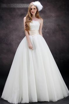 Cheap robe de mariage, Buy Quality fashion wedding dress directly from China plus wedding dress Suppliers: Wedding Dresses 2017 Strapless Empire Appliques A-Line Floor-Length Plus Size New Fashion Bridal Weding Gowns robe de mariage Outdoor Wedding Dress, Wedding Dress Organza, Tulle Ball Gown, Cute Wedding Dress, Fall Wedding Dresses, Bridal Dresses, Wedding Gowns, Ball Gowns, Tulle Wedding