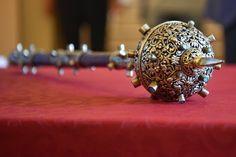 Múzeumok Éjszakája Debrecenben, meglepetésekkel az erotikus kiállítástól a japán babákig. Crown, Jewelry, Corona, Jewlery, Jewerly, Schmuck, Jewels, Jewelery, Crowns
