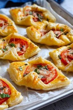Mother's Day brunch: These Pepperoni Basil Tomato Puffs make the perfect treat to delight you one special Mom! : Mother's Day brunch: These Pepperoni Basil Tomato Puffs make the perfect treat to delight you one special Mom! Finger Food Appetizers, Yummy Appetizers, Appetizer Recipes, Party Appetizers, Tomato Appetizers, Puff Pastry Appetizers, Party Finger Foods, Easy Finger Food, Savoury Finger Food