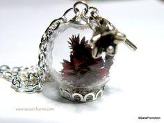 Glaskugelkette Trockenblumen aubergine silber von Sara´s Charms auf DaWanda.com