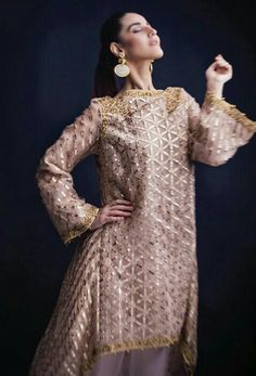 Shadi Dresses, Pakistani Formal Dresses, Pakistani Wedding Outfits, Stylish Dresses, Fashion Dresses, Dresses For Work, Faraz Manan, Short Frocks, Eid Outfits