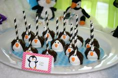 Penguin Cake pops= very cute!