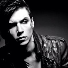 Andy Biersack (Black Veil Brides) is taking part in a friends mini series, Average Joe, on YouTube. Head below to watch two promo videos featuring Biersack.