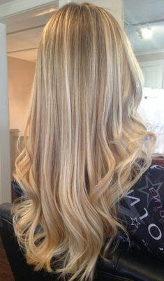 Beautiful blond hair with highlights ideas, # .-Schönes Blondes Haar mit Highlights Ideen, Beautiful blonde hair with highlights ideas - Blonde Hair Looks, Blonde Hair Shades, Golden Blonde Hair, Dying Hair Blonde, Dark Blonde Hair With Highlights, Blonde Layers, Easy Hairstyles For Medium Hair, Box Braids Hairstyles, Hairstyle Ideas