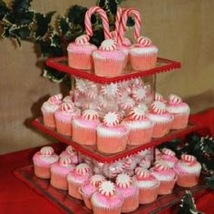 So festive! What a fun dessert display for your Christmas party this year!