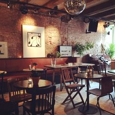 This new American brunch spot PAPER PLANES opened their doors just about two weeks ago and is already the new place to have brunch! In the city centre of Amsterdam you can enjoy yummy LA food at th...