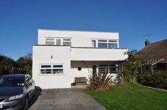 Three-bedroom 1930s art deco property in Frinton-On-Sea, Essex Yes, another art deco property in the town that's full of them. But this three-bedroom 1930s art deco property in Frinton-On-Sea, Essex is still worth flagging up. Three-bedroom 1930s art deco property in Frinton-On-Sea, Essex It is a mix of the old and the new. By that, we mean this has obviously been renovated and modernised, with some period features remaining - the overall structure, the staircase, at least one fireplace for…