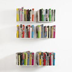 Étagère murale design TEEbooks, Modular Shelves with Moxie by TEEbooks | MONOQI #bookshelves #estantes #bucherregale #mensole