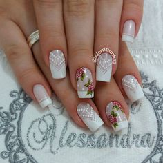 Foto de Instagram de Alessandra Camilo SC • 9 de diciembre de 2016 a las 15:39 Accent Nail Designs, Cute Nail Art Designs, Acrylic Nails, Gel Nails, Airbrush Nails, Nail Salon Design, Nail Art Diy, Creative Nails, French Nails