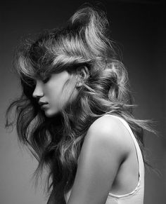 Hair by Carolin Jarchow Klein Agency Photo: Frauke Fischer Female Portrait, Woman Portrait, Good Hair Day, Cool Girl, Cool Hairstyles, Hair Makeup, Poses, Long Hair Styles, Black And White