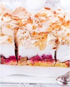 Ciasto z musem czekoladowym i wafelkami - I Love Bake Rhubarb Recipes, Pie Recipes, Sweet Recipes, Dessert Recipes, Cooking Recipes, Pumpkin Cheesecake, Food Cakes, Cookie Desserts, Something Sweet