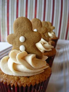 Gingerbread... will be baking up some yummo gingerbread men (and ladies) with my girls today - YAY!
